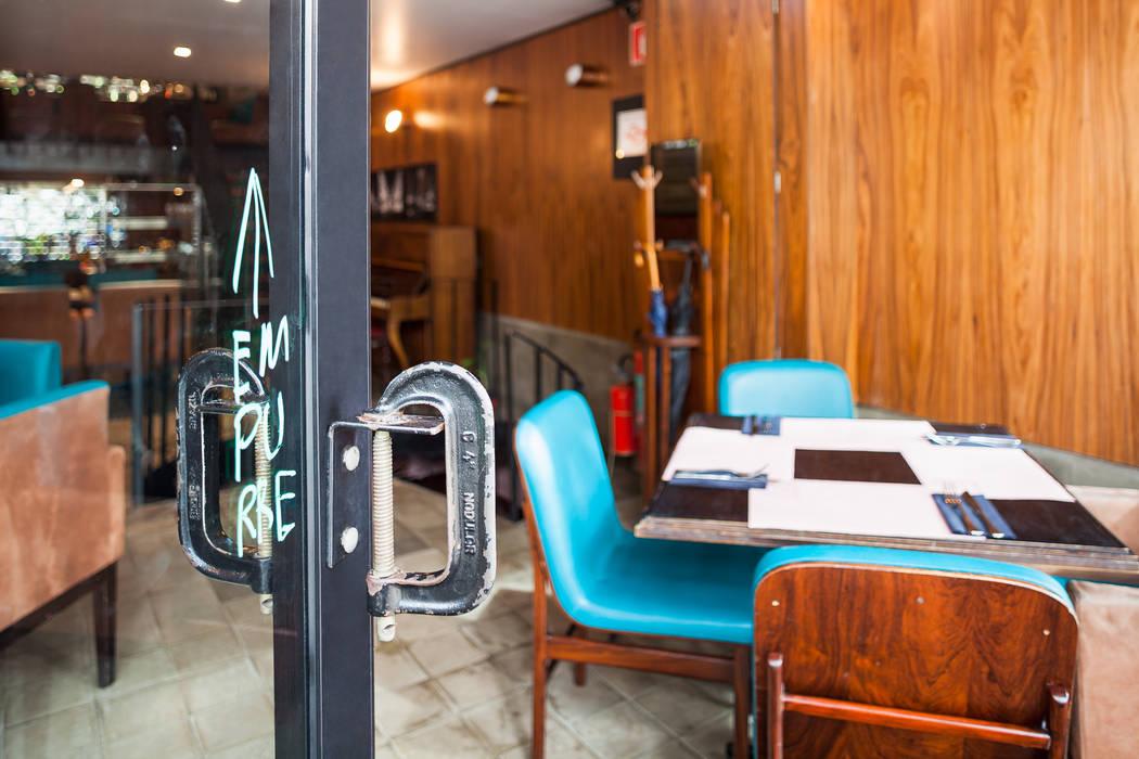 Entrada: Espaços gastronômicos  por MM18 Arquitetura,Moderno