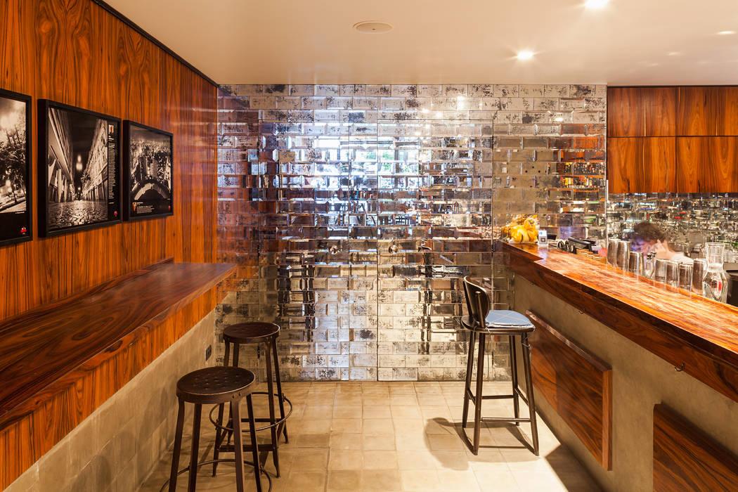Restaurante Ramona Espaços gastronômicos modernos por MM18 Arquitetura Moderno