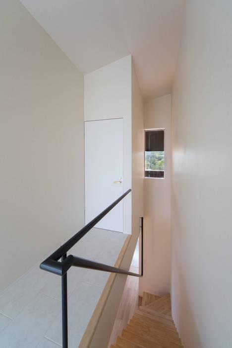 Tei 階段 モダンスタイルの 玄関&廊下&階段 の キリコ設計事務所 モダン