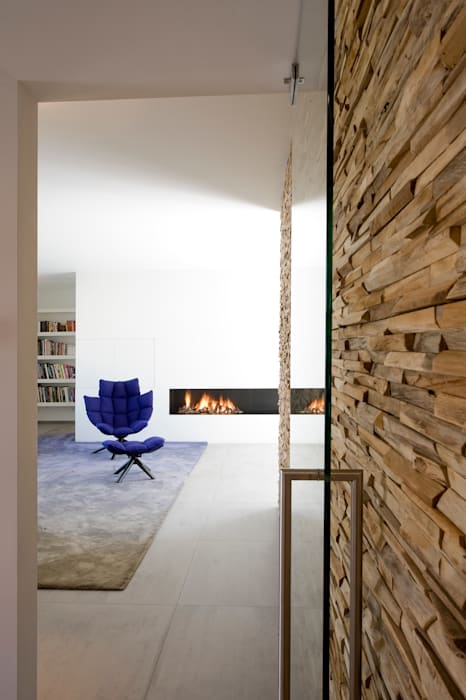 Residential Villa Moderne woonkamers van Wonderwall Studios Modern