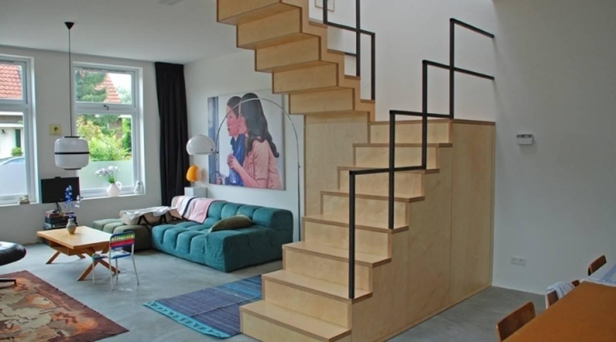 Cubistic Stairs/ Kubistische trap Amsterdam Industriële gangen, hallen & trappenhuizen van Blok Meubel Industrieel
