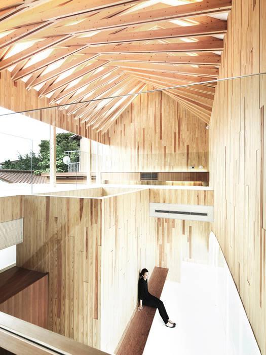 内部空間を見る: 平沼孝啓建築研究所 (Kohki Hiranuma Architect & Associates)が手掛けた医療機関です。