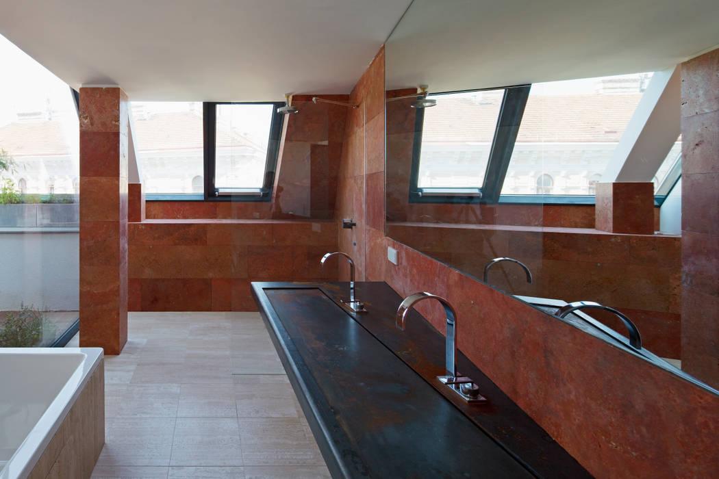 Penthouse p: ausgefallene badezimmer von t-hoch-n architektur   homify