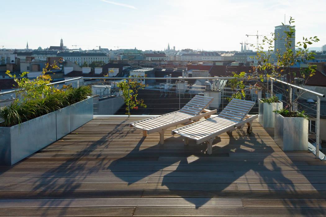 t-hoch-n Architektur Mediterranean style balcony, veranda & terrace