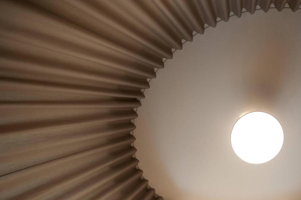 Espace scénique Locaux commerciaux & Magasin modernes par MELANIE LALLEMAND ARCHITECTURES Moderne