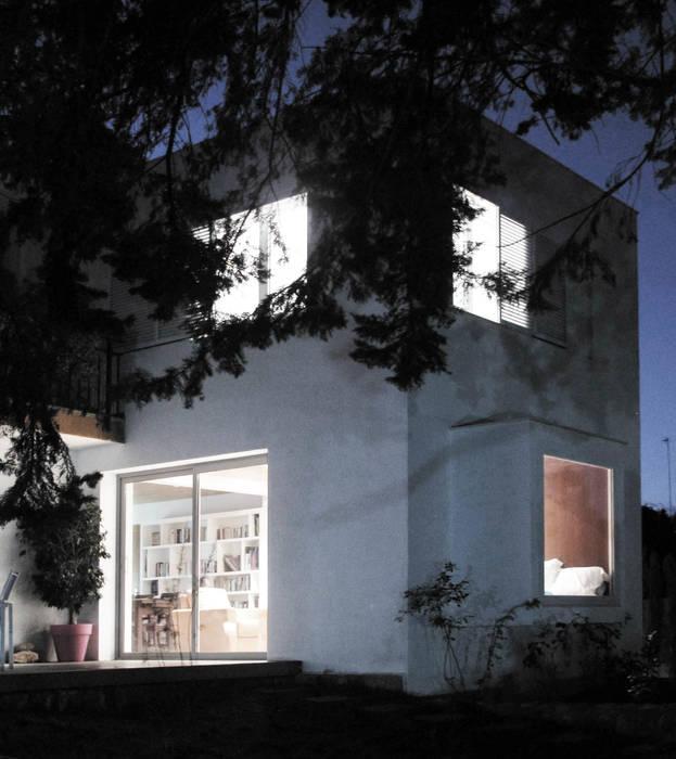 Vista jardín Biblioteca: Casas de estilo  de LaBoqueria Taller d'Arquitectura i Disseny Industrial