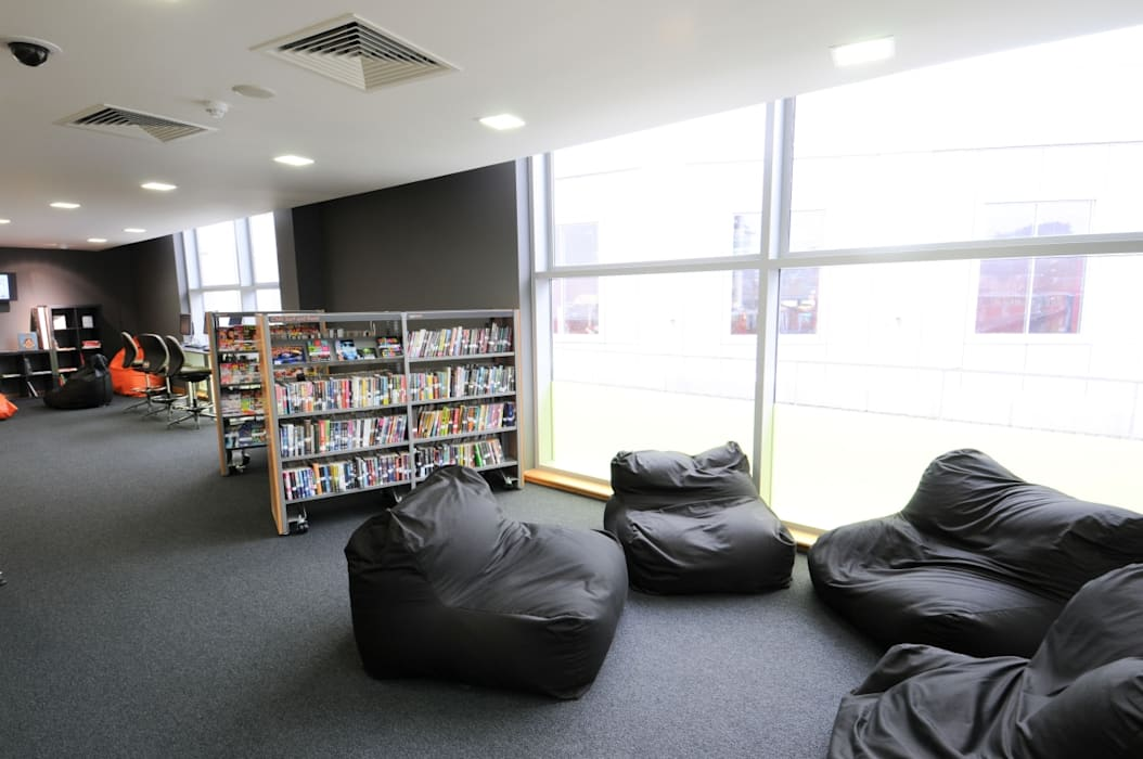 Seating area - High Wycombe Library Modern commercial spaces by Salt and Pegram Modern