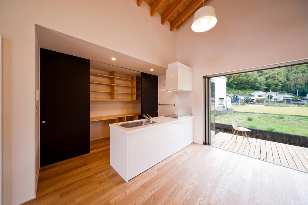 トトロ キッチン: キリコ設計事務所が手掛けたキッチンです。