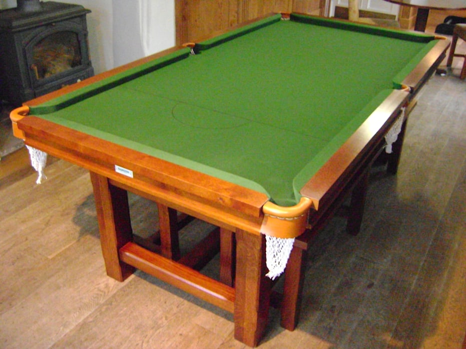 7 ft Lindo Convertible Diner suitable for snooker or pool. HAMILTON BILLIARDS & GAMES CO LTD Dining roomTables