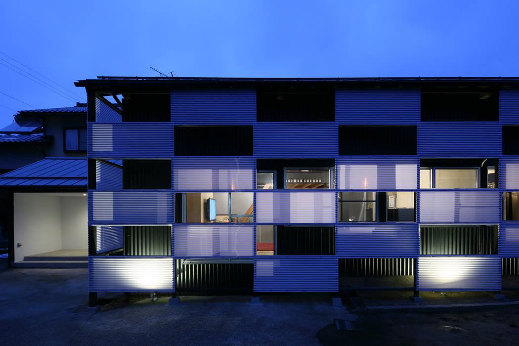 外観(日中): ARCHIXXX眞野サトル建築デザイン室が手掛けた家です。,オリジナル