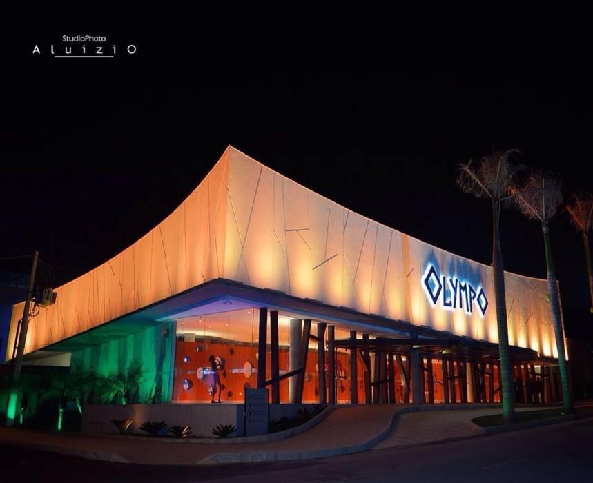 OLYMPO CENTRO DE EVENTOS Centros de congressos modernos por Mascarenhas Arquitetos Associados Moderno