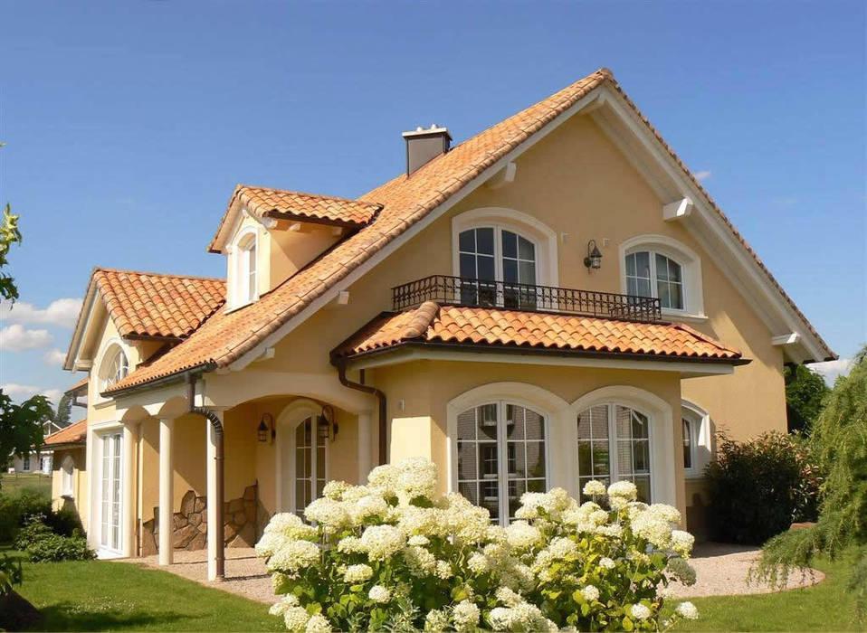 Mediterranes Wohnhaus in Deutschland:  Häuser von Rimini Baustoffe GmbH
