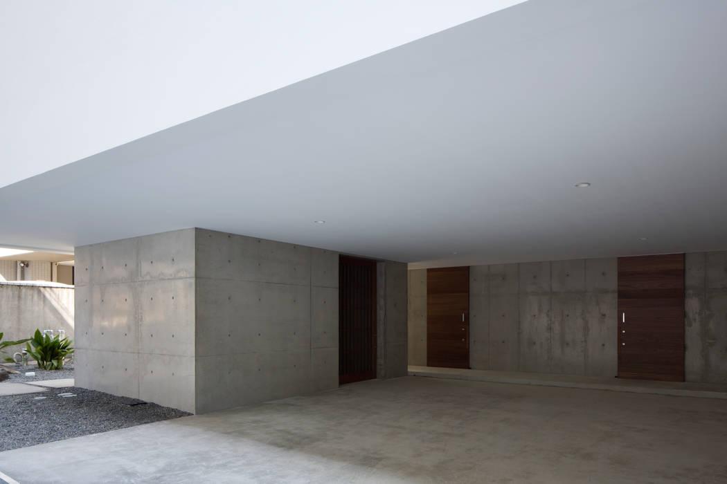 倉+ガレージ: ARCHIXXX眞野サトル建築デザイン室が手掛けた家です。,和風