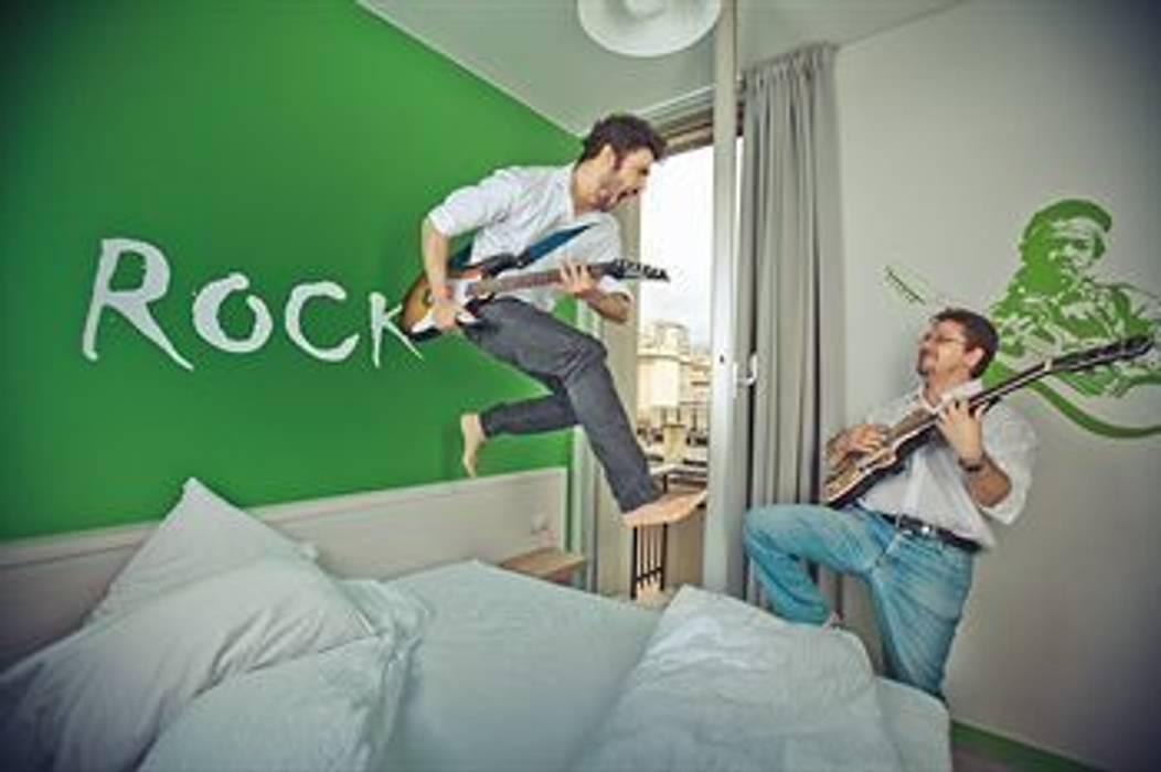 Camera Da Letto Rock : Camera rock: camera da letto in stile in stile minimalista di