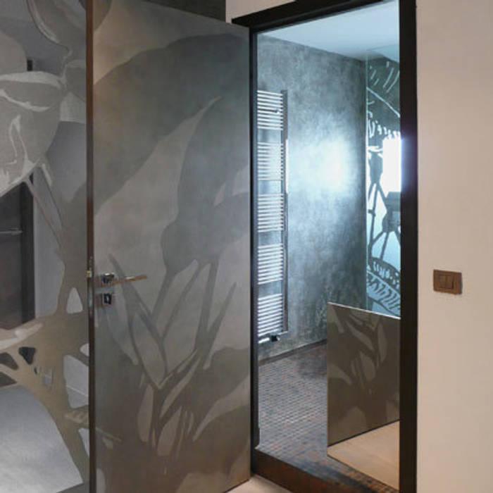 porte intérieure: Fenêtres de style  par Atelier TO-AU