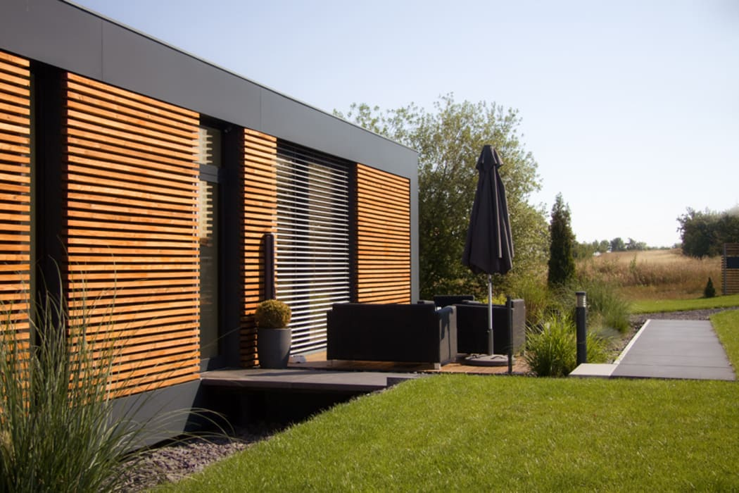 Modern houses by smartshack Modern