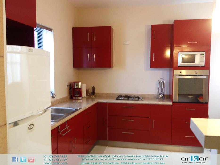 Dapur oleh arkar mobiliario integral, Modern