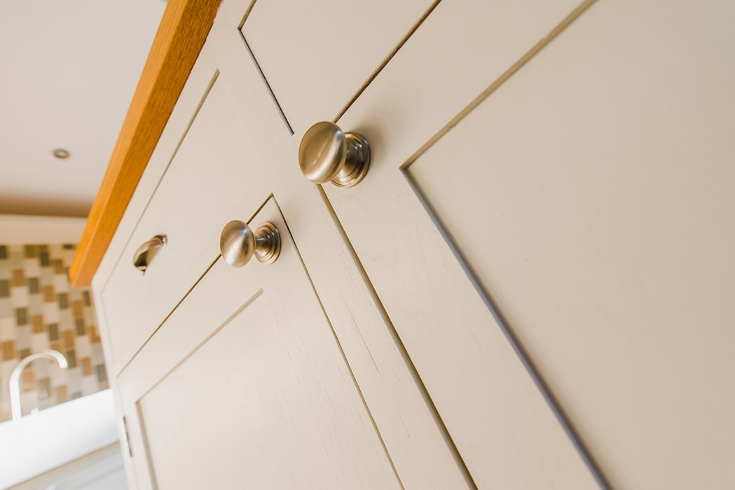 The Quayside Shaker Kitchen:  Kitchen by NAKED Kitchens,