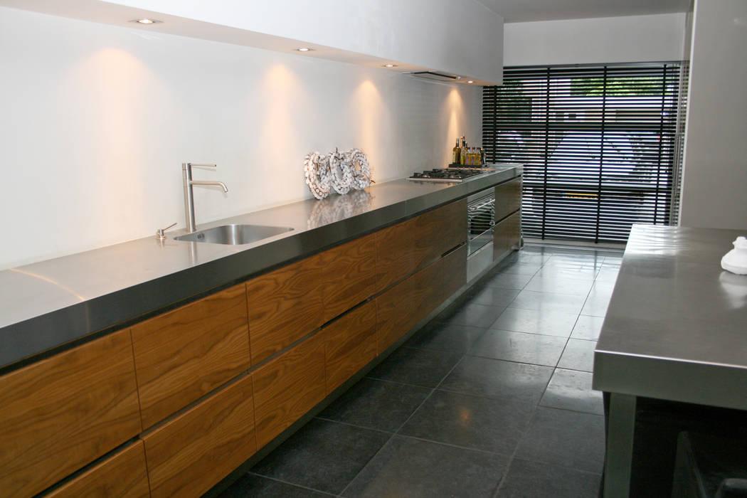 Woning, Berkel-Enschot:  Keuken door Doreth Eijkens | Interieur Architectuur, Industrieel