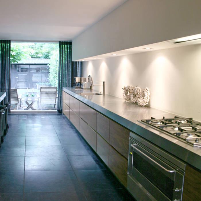 Woning, Berkel-Enschot:  Keuken door Doreth Eijkens | Interieur Architectuur