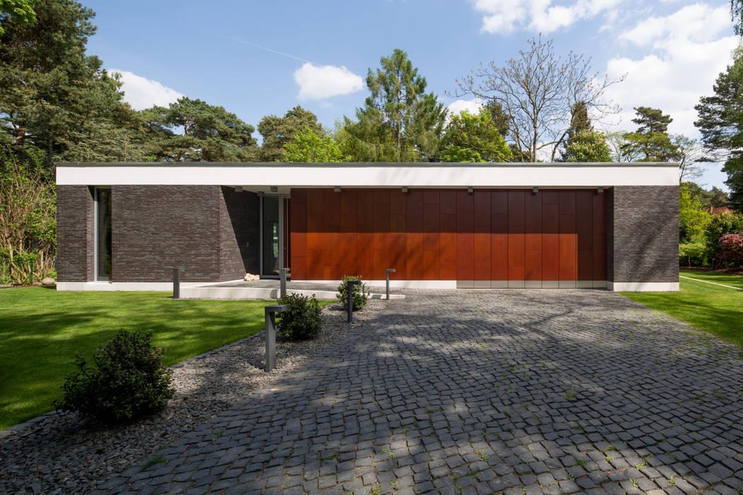 Bungalows by Justus Mayser Architekt, Modern