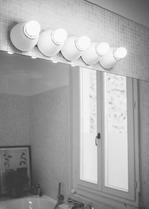 salle de bain: Salle de bains de style  par Maguelone Vidal Architectures
