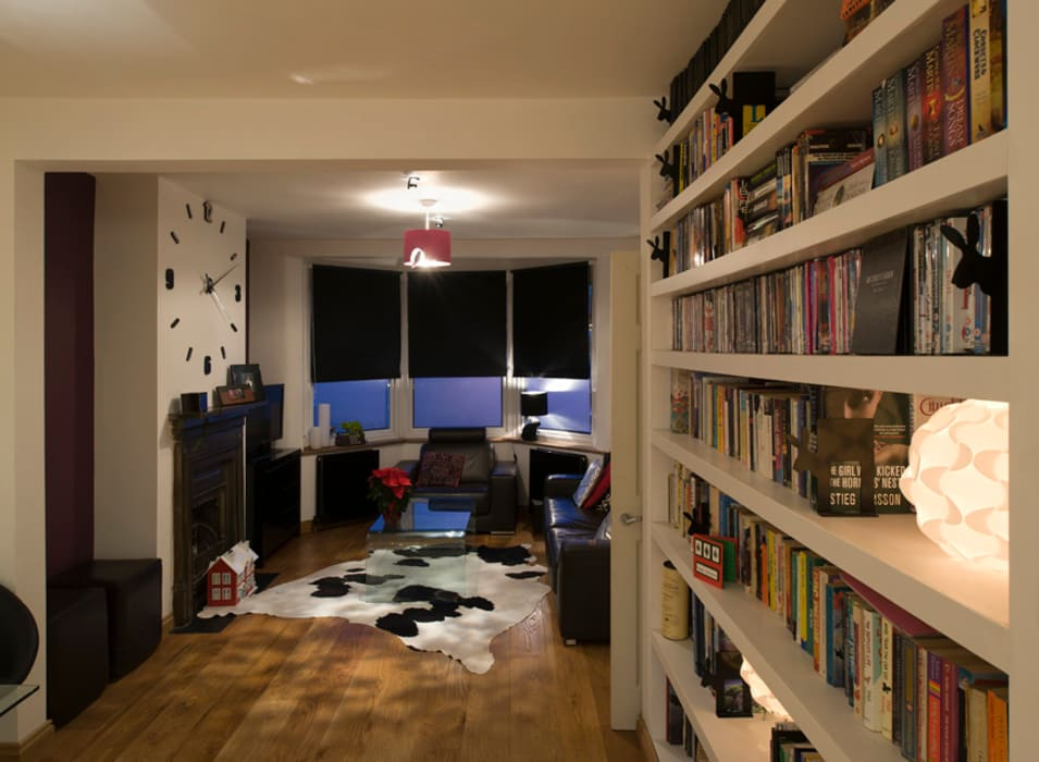 Living room:  Living room by Elektra Lighting Design,