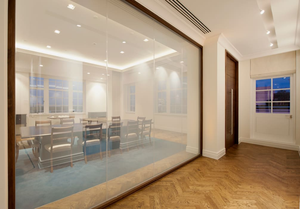 Meeting area Classic office buildings by Elektra Lighting Design Classic