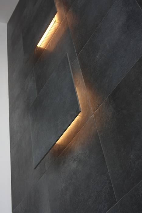 Lampade led a rilievo sulla parete Francesca Bonorandi Ingresso, Corridoio & ScaleIlluminazione