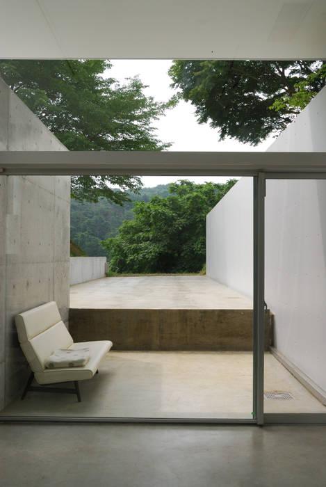 ゲストルーム: 株式会社ブレッツァ・アーキテクツが手掛けた和室です。