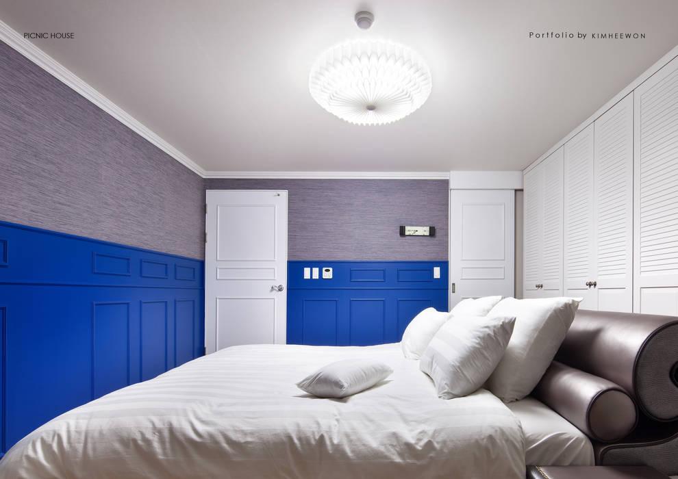 PICNIC HOUSE 모던스타일 침실 by designvom 모던