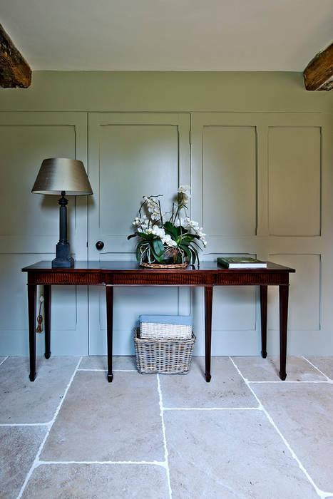 Ansty Manor, Hallway:  Corridor & hallway by BLA Architects,