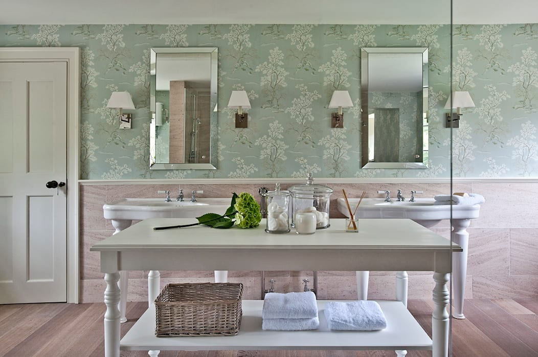 ​Ansty Manor, Bathroom :  Bathroom by BLA Architects,
