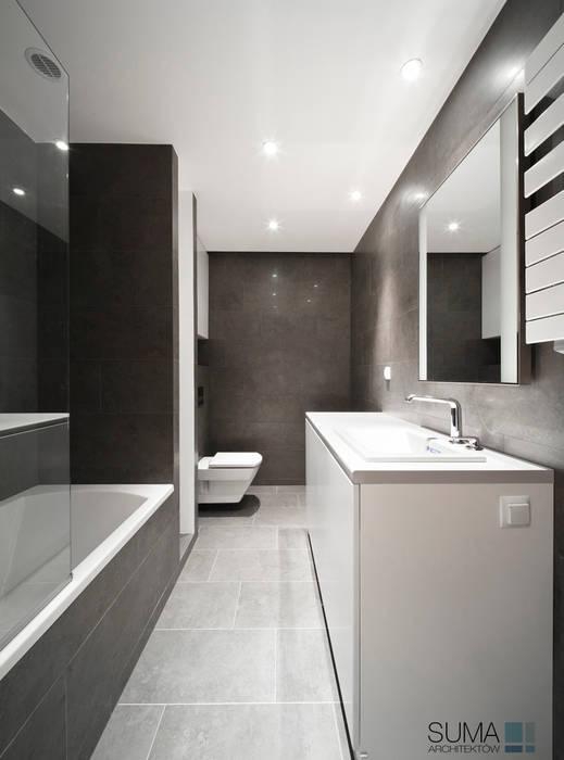 LOFT ONE Industrialna łazienka od SUMA Architektów Industrialny