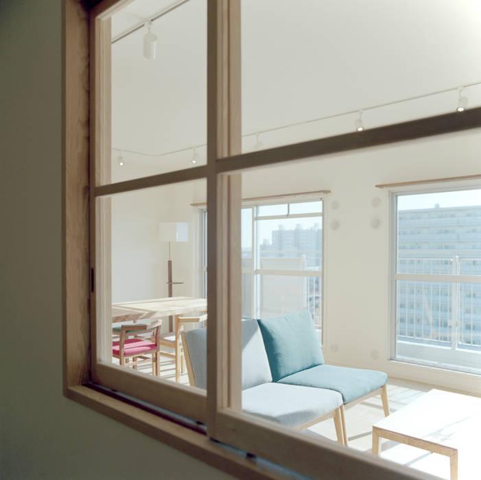 S-House: AIDAHO Inc.が手掛けた窓です。