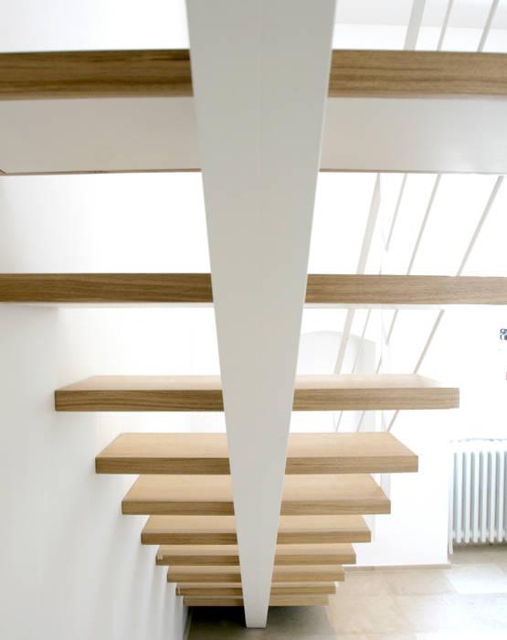Giandomenico Florio Architetto Pasillos, vestíbulos y escaleras de estilo minimalista