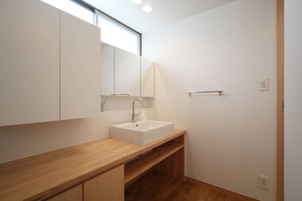 洗面 青木昌則建築研究所 北欧スタイルの お風呂・バスルーム