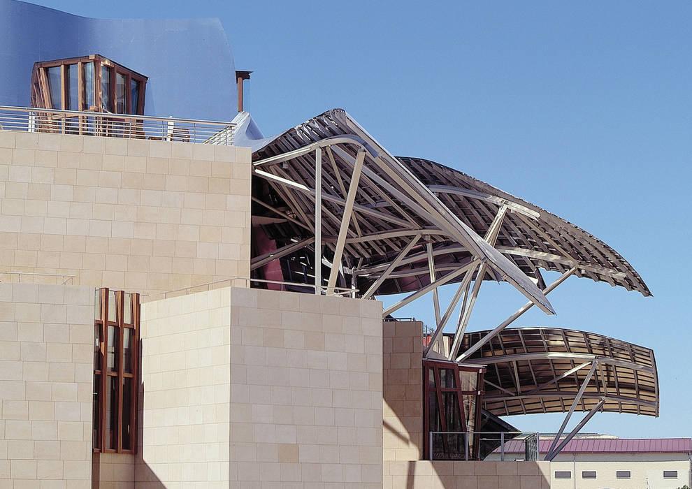 City Of Wine Complex Marqués De Riscal (Gehry Partners LLC) - BEIGE PINAR sandstone: Locales gastronómicos de estilo  de ARENISCAS STONE