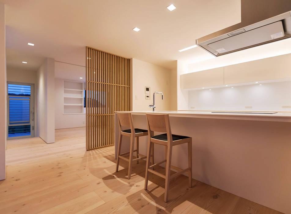 飯塚の住宅: MAアーキテクト一級建築士事務所が手掛けたキッチンです。,オリジナル