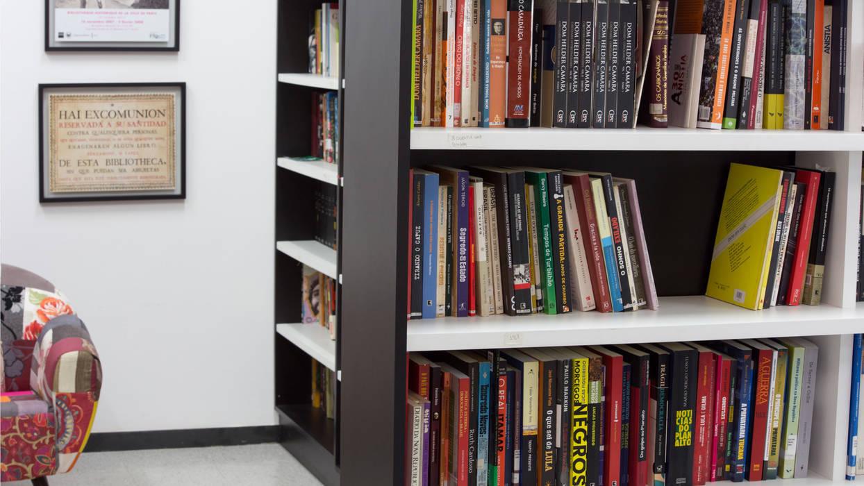 Modern style study/office by Mutabile Modern