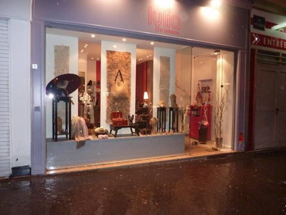 Magasin APRES: Espaces commerciaux de style  par Sylvie Leblanc