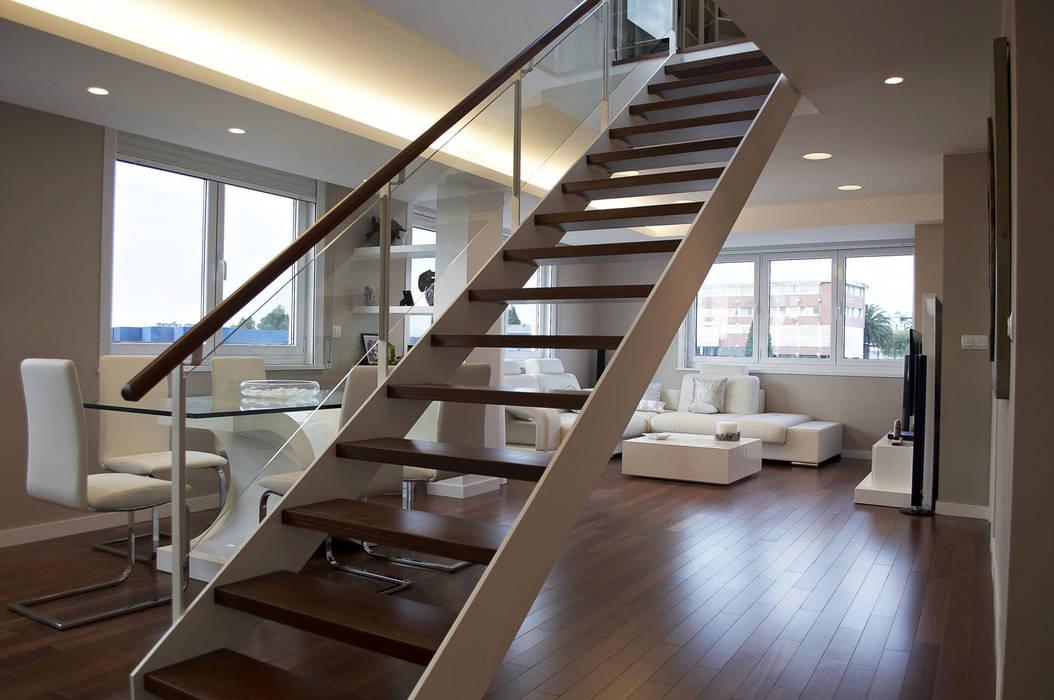 Corridor & hallway by Intra Arquitectos,