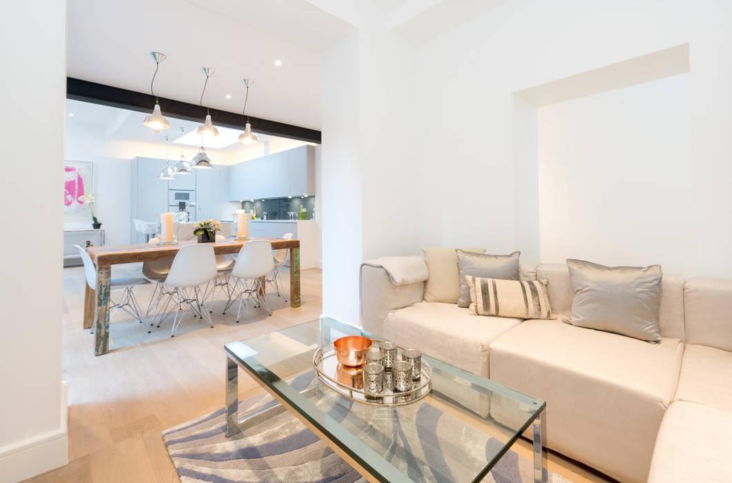 Roland Gardens BTL Property LTD Minimalist living room