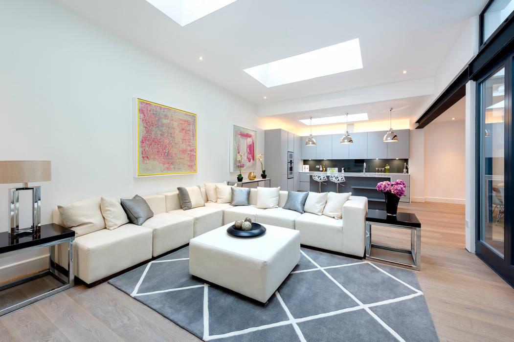 Roland Gardens :  Living room by BTL Property LTD,
