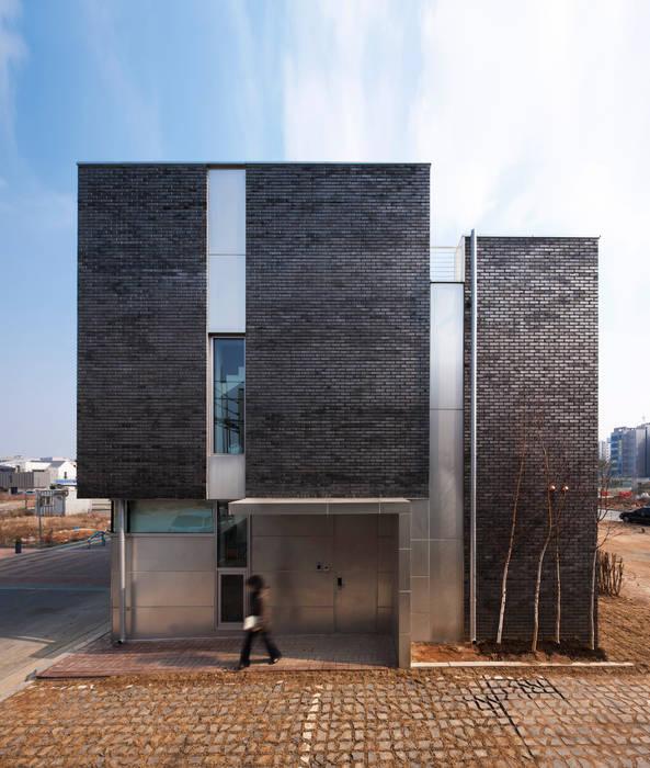 Moderne huizen van iSM Architects Modern