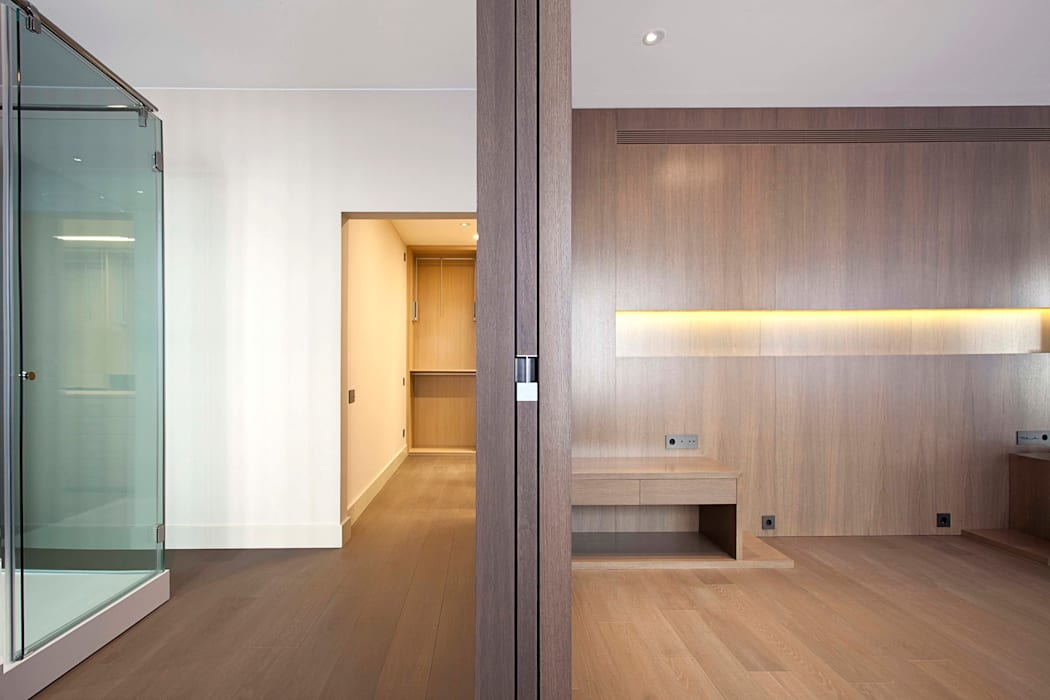 Rehabilitación de ático en Turó Park, Barcelona Dormitorios de estilo minimalista de MANO Arquitectura Minimalista