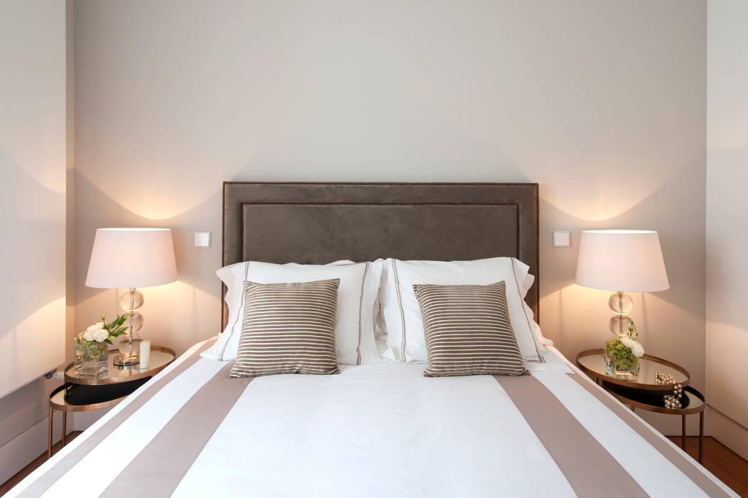 Luxury bedroom Staging Factory Quartos clássicos