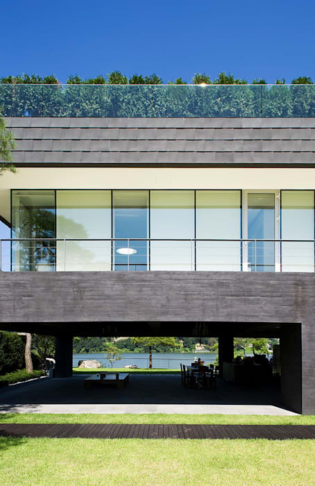 Floating House 모던스타일 주택 by hyunjoonyoo architects 모던