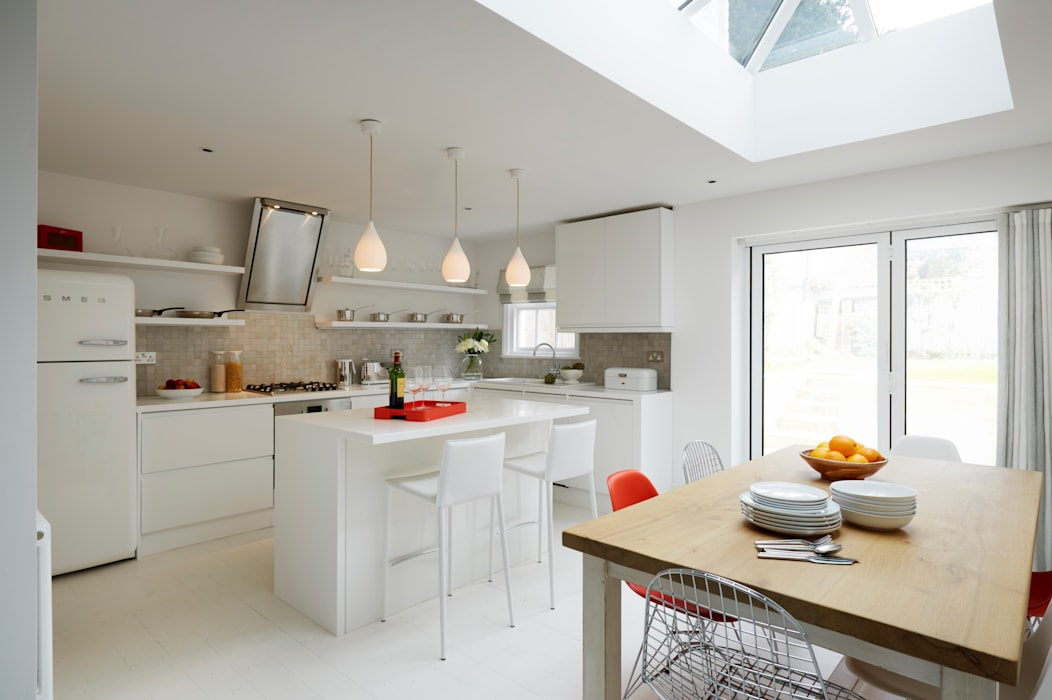 Bright, light Kitchen extension with roof lantern Modern kitchen by ZazuDesigns Modern