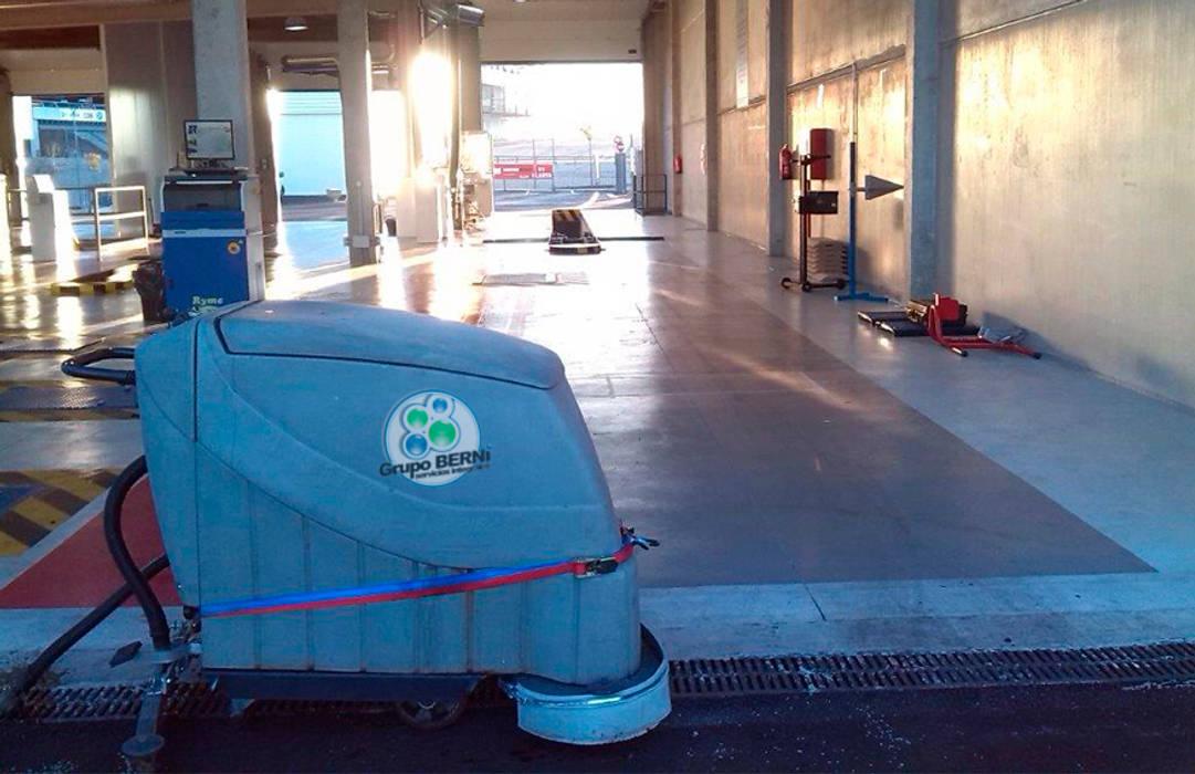 Limpiezas Berni - Servicios integrales Concesionarios de estilo moderno de Limpiezas Berni Moderno
